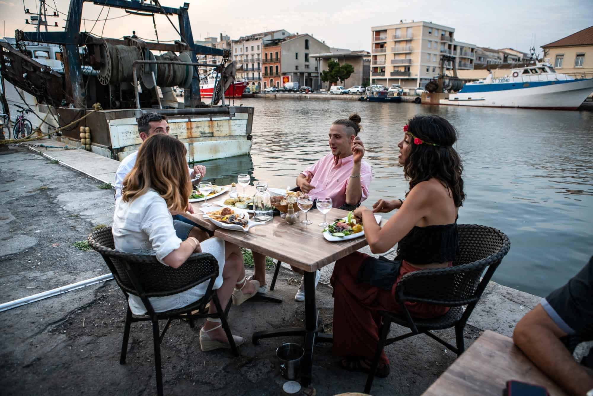 Repas au bord de l'eau